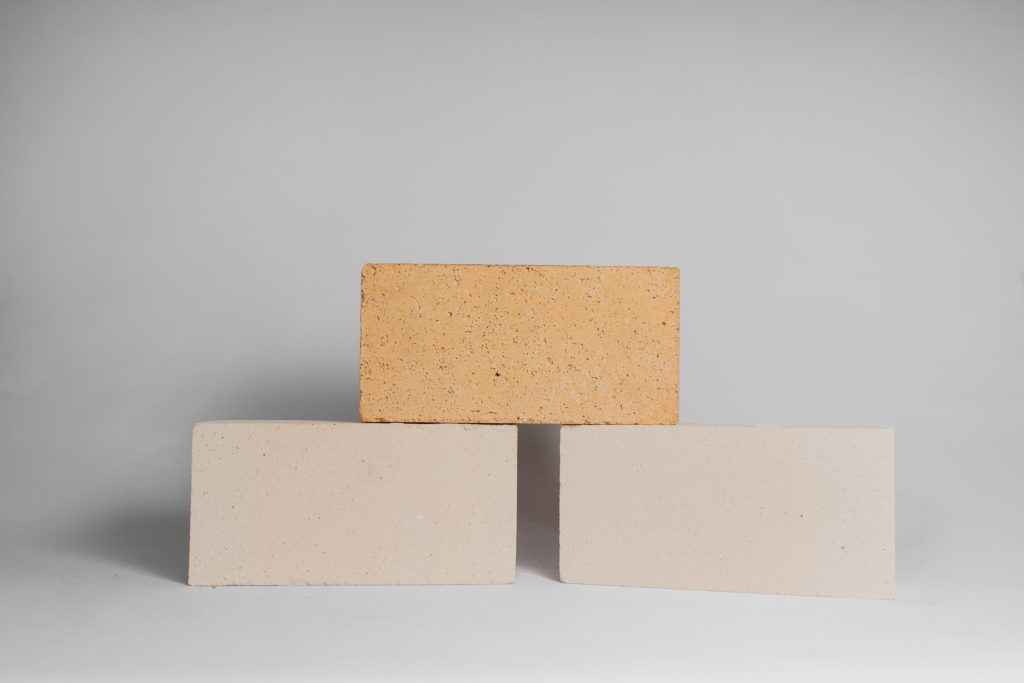 Alumina silicate fire brick
